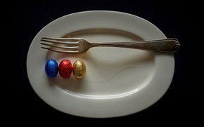 Picture plate, plug, eggs, naturalism