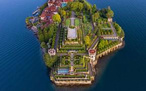 Picture Italy, lake Maggiore, Piedmont, Isola Bella, the gardens Borromeo