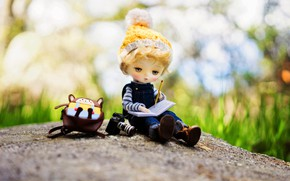 Picture hat, doll, boy, the camera, Notepad, backpack