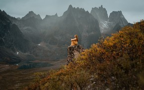 Picture girl, mountains, pose, Lizzy Gadd