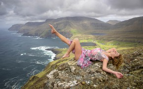 Picture girl, nature, dress, lies
