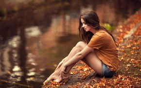 Wallpaper autumn, girl, pose, foliage, Amber, Maarten Quaadvliet