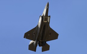 Picture weapons, the plane, F-35B