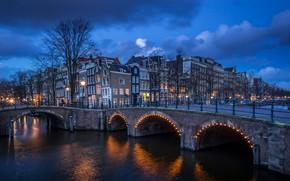Picture Holland, Amsterdam, blue hour, Centrum