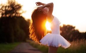 Picture girl, sexy, beautiful, pretty, brunette, attractive, handsome, ballet dancer