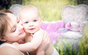 Picture happiness, baby, Mom