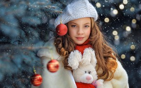 Picture look, balls, face, glare, hair, toy, portrait, girl, New year, tree, Bunny, takes, George Bondarenko