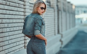 Picture pose, wall, model, portrait, jeans, makeup, figure, glasses, jacket, hairstyle, blonde, is, Dasha, ass, bokeh, …