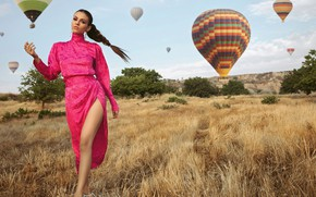 Picture field, look, girl, pose, model, dress, beauty, Victoria Justice