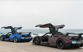 Picture car, two, supercars, pagani