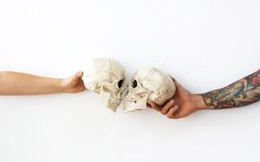Picture kiss, hands, tattoo, skull, tattoo