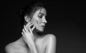 Picture black & white, girl, eyes, beautiful, model, lips, face, hair, pose