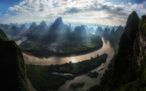 Picture mountains, fog, river, China