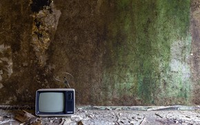 Picture naturalism, wall, TV
