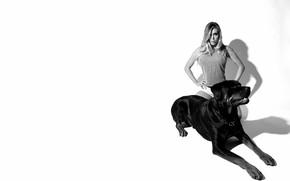 Picture dog, black and white, nicole-aniston