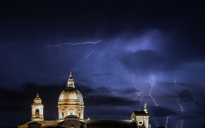 Picture lightning, church, Assisi