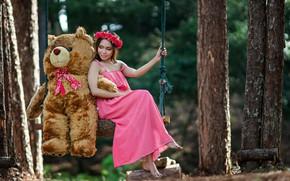 Picture girl, swing, bear