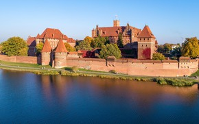 Picture Tree, Tower, River, Wall, Castle, Promenade, Flag, Poland, Poland, Marienburg, Tile, The residence master of …