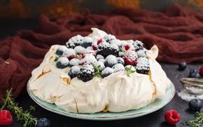 Picture berries, cake, cream, powdered sugar, meringue