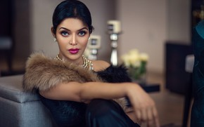 Picture girl, eyes, smile, beautiful, figure, model, lips, face, hair, pose, indian, makeup, Jewelery