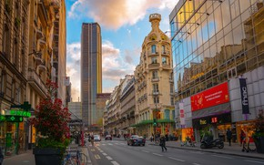 Picture road, auto, the sky, people, street, France, Paris, skyscrapers, stores
