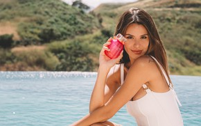 Picture look, water, girl, model, perfume, blouse, Madison Reed