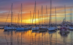 Picture sunset, yachts, mast