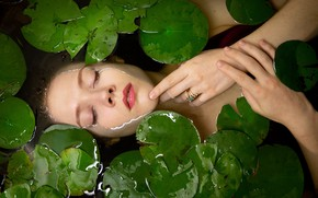 Picture leaves, water, girl, face, mood, the situation, hands, ring, closed eyes