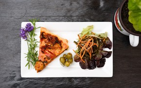 Picture flowers, pizza, olives, salad