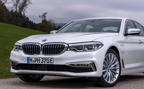 Picture white, BMW, sedan, hybrid, the front part, 5, four-door, 2017, 5-series, G30, 530e iPerformance