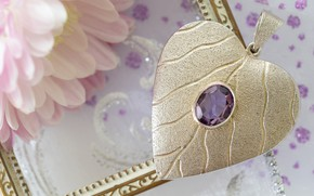 Picture flower, stone, heart, decoration
