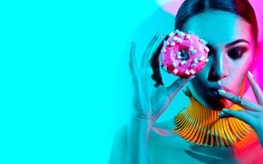 Picture girl, light, pink, blue, donut
