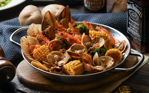 Picture corn, seafood, mussels
