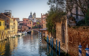 Picture the city, street, home, boats, Italy, Venice, channel, the bridge