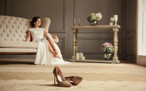 Picture girl, room, shoes, the bride