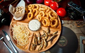 Picture fish, cheese, tomatoes, peanuts, appetizer, onion rings