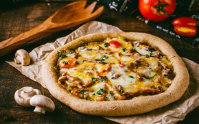 Picture mushrooms, pizza, tomato