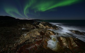Picture sea, the sky, stars, night, stones, shore, Northern lights, horizon, surf, Russia, night, rocky, star