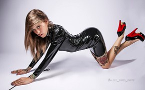 Picture look, background, model, makeup, figure, dress, piercing, tattoo, hairstyle, shoes, latex, brown hair, legs, on …