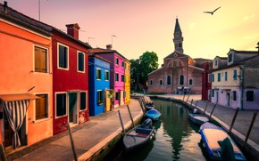 Picture the city, home, boats, morning, Italy, Venice, channel, quarter, the bell tower, the Church of …