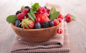 Picture leaves, raspberry, table, blueberries, strawberry, berry, bowl, currants, BlackBerry, tablecloth, bokeh