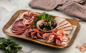Picture olives, sausage, meats