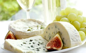 Picture cheese, grapes, figs