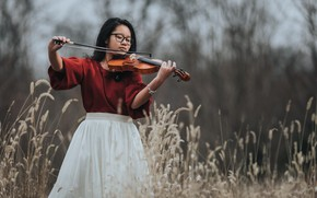 Picture girl, violin, Asian