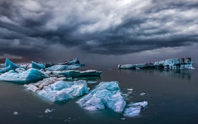 Picture sea, clouds, ice