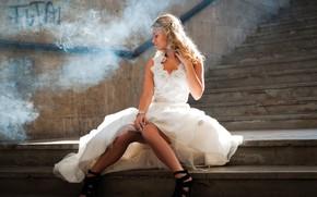 Picture pose, blonde, ladder, steps, white dress, sunlight