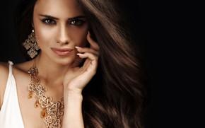 Picture girl, model, hand, portrait, makeup, necklace, manicure, Elena Kharichkina