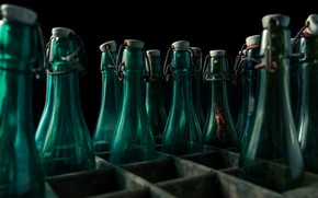 Picture bottle, box, naturalism