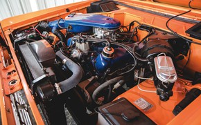 Picture orange, Ford, Bronco, under the hood, Half Cab