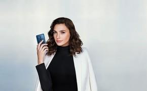 Picture look, girl, model, phone, Gal Gadot